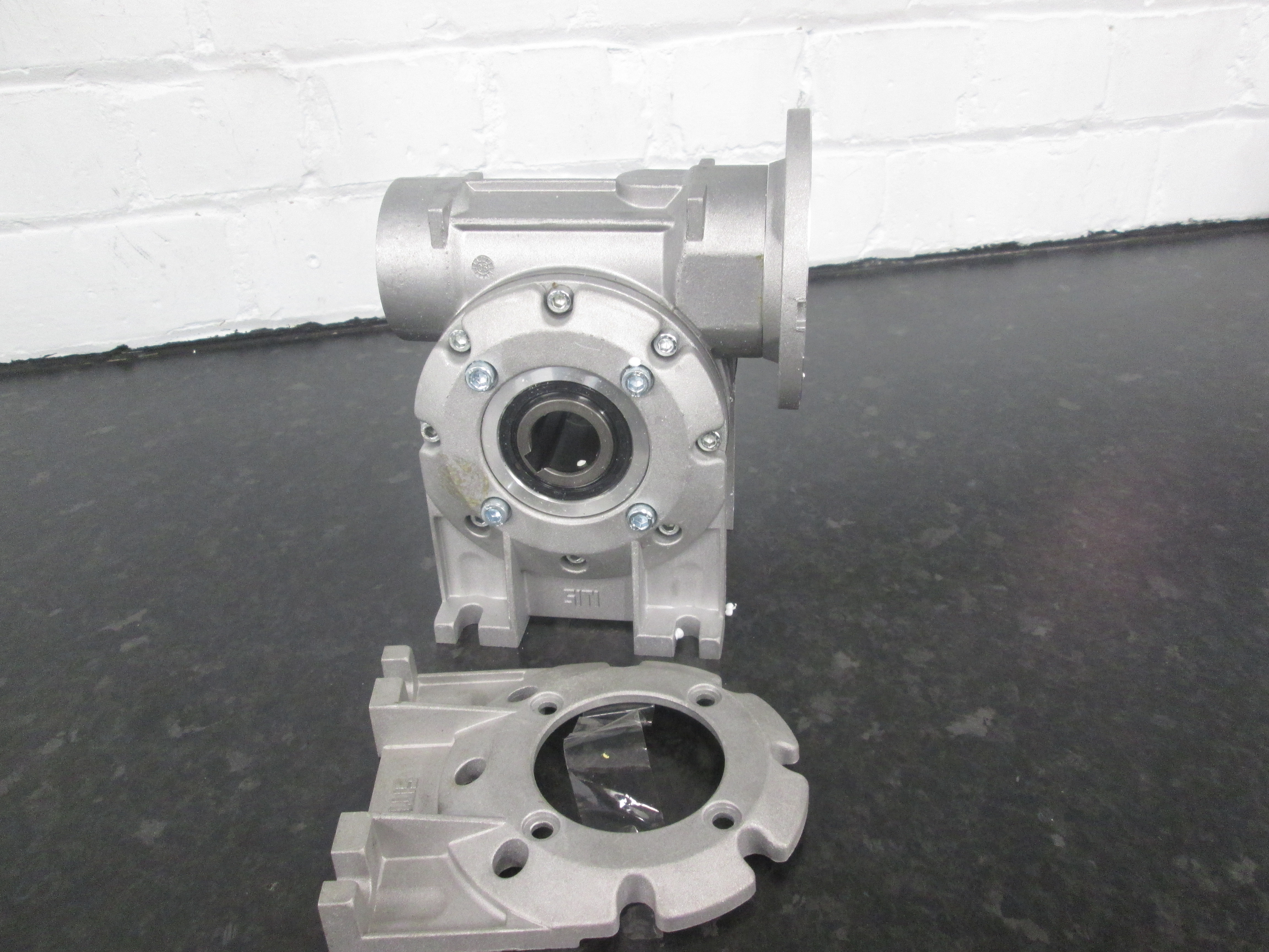 Foot Mounted Gearbox Type A D71/B14 Right Angled 15:1